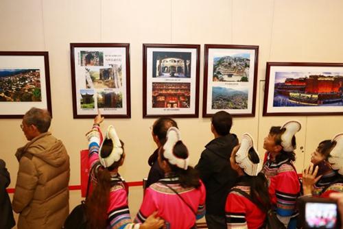 李信忠 《红河·侨乡马帮》摄影作品收藏展开展